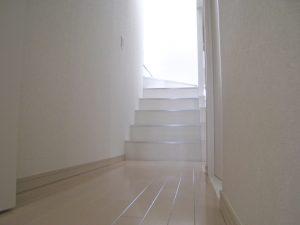 マンションリフォームの施工事例 Case.01-After-廊下・階段廻り